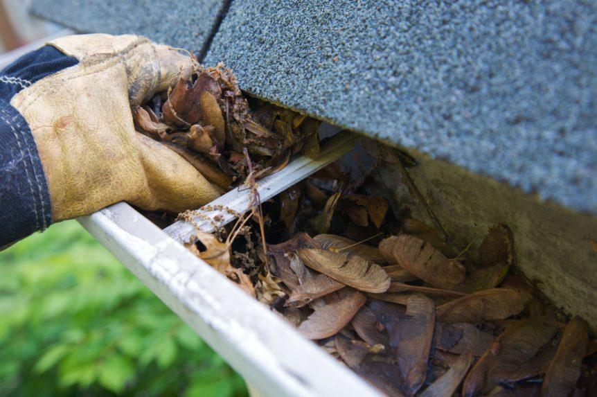 råd till att rengöra takrännor
